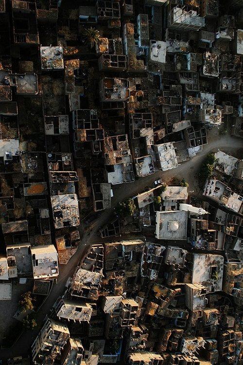 Zniszczone budynki Ostatniej Oazy - widok z góry