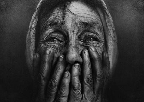 old-woman-despair