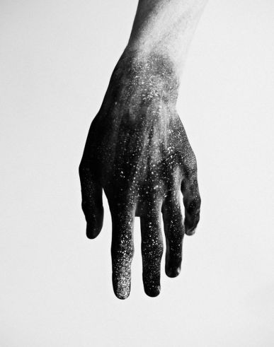 black-fingers-black-hands