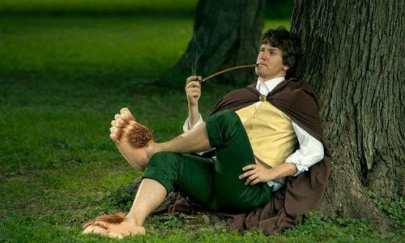 Hobbit Slippers - Bilbo Baggins Resting Below Tree
