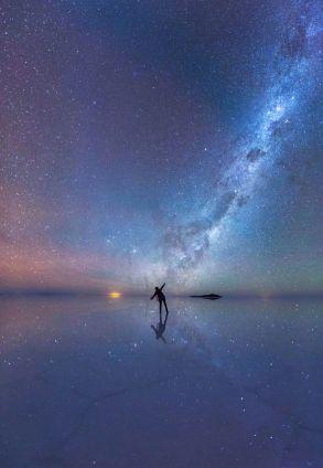 The-Mirrored-Night-Sky