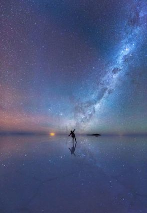 The-Mirrored-Night-Sky
